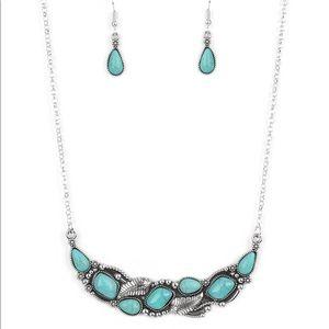💕 3/$10 Paparazzi Cottage Garden Blue Necklace